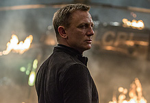 Daniel Craig signs on for more Bond