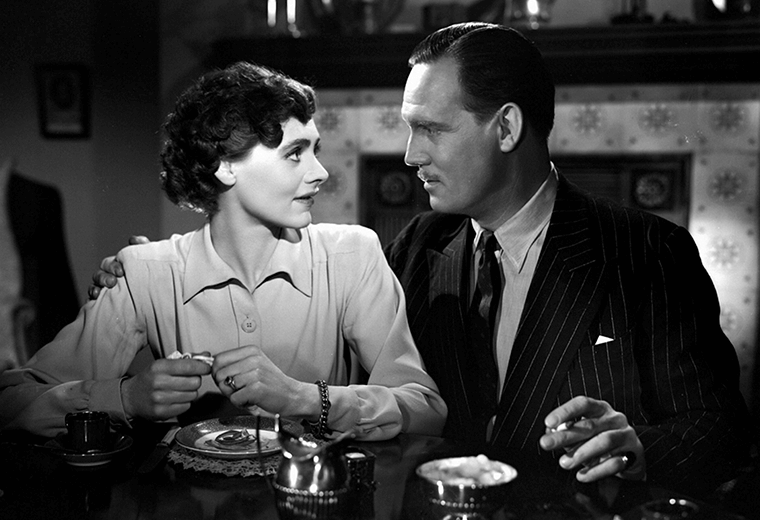 Celia Johnson and Trevor Howard, strangers on a train in Brief Encounter.