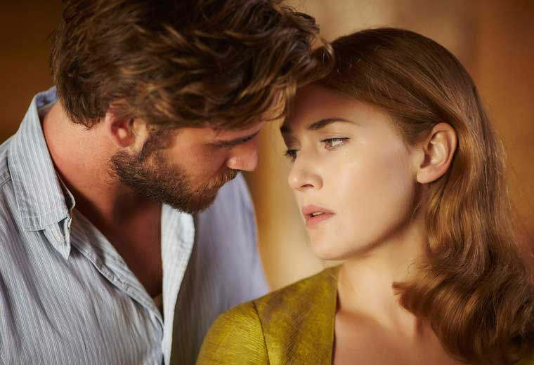 Thing start to heat up Down Under between Teddy (Liam Hemsworth) and Tilly (Kate Winslet)