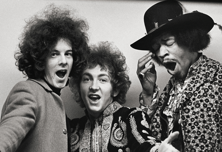 The Jimi Hendrix Experience looking downright fabulous in London 1967.