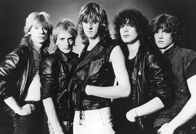 Def Leppard? More like Dumb Leppard