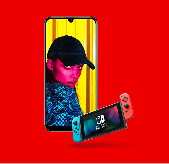 Huawei P Smart with Nintendo Switch