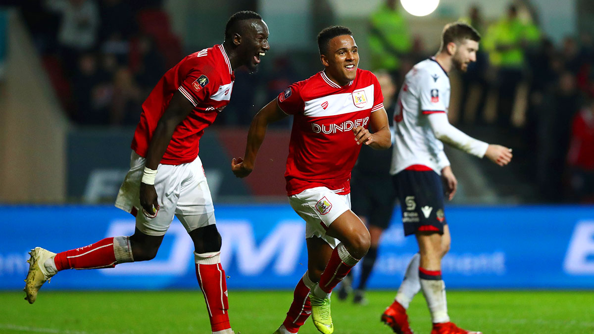 Niclas Eliasson after scoring for Bristol City against Bolton Wanderers in the FA Cup