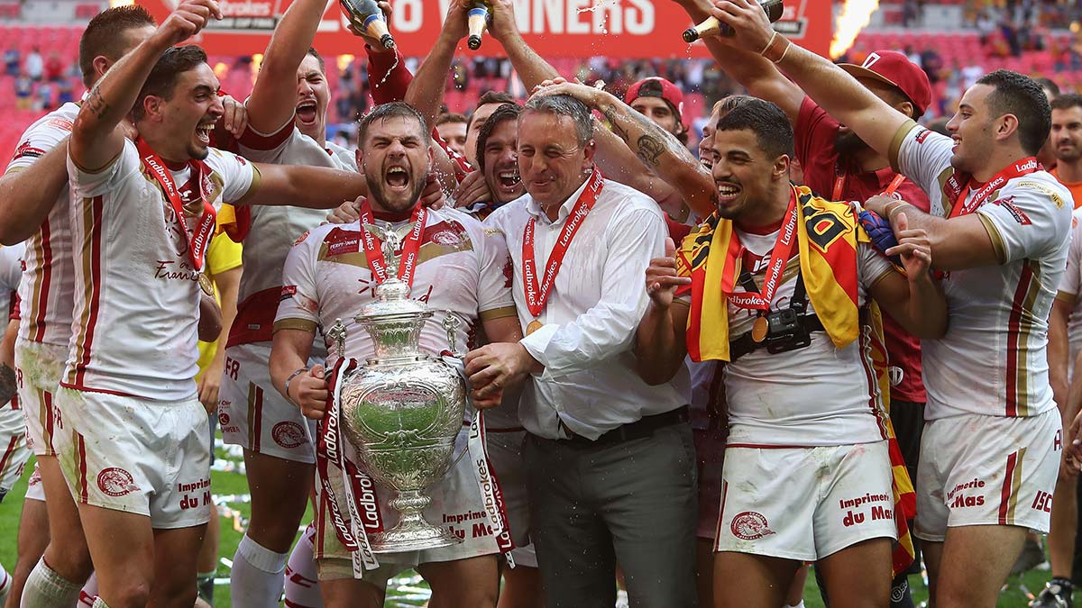 Catalans Dragons celebrate winning the 2018 Challenge Cup