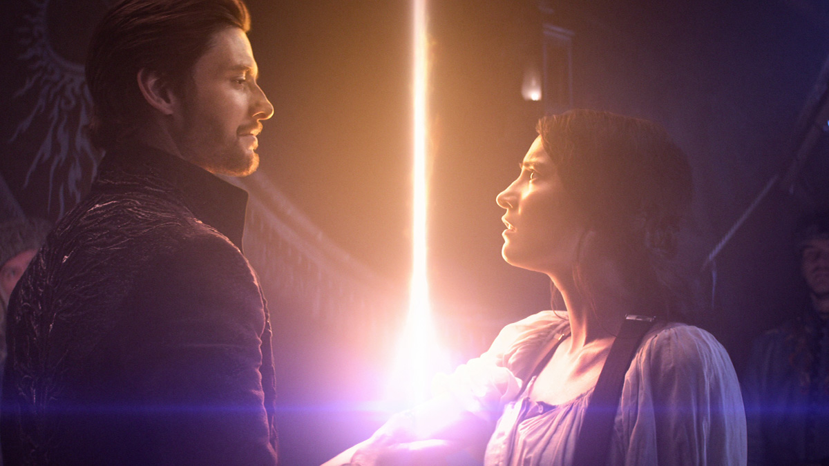 Ben Barnes and Jessie Mei Li in Shadow And Bone