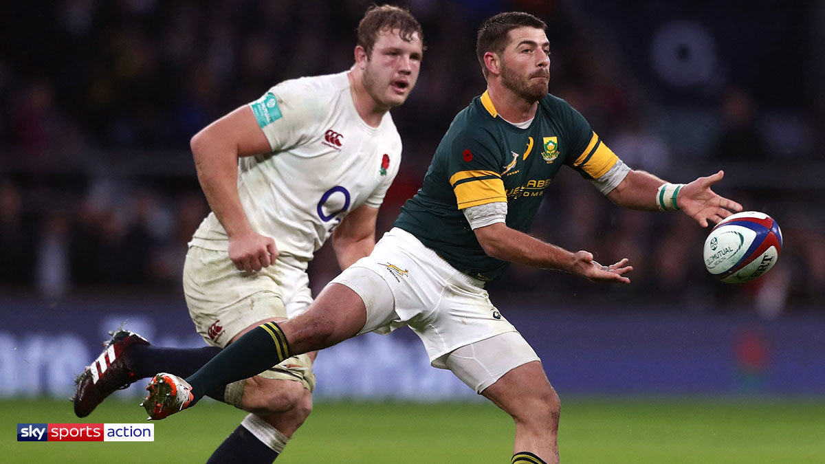 Willie le Roux playing rugby for South Africa