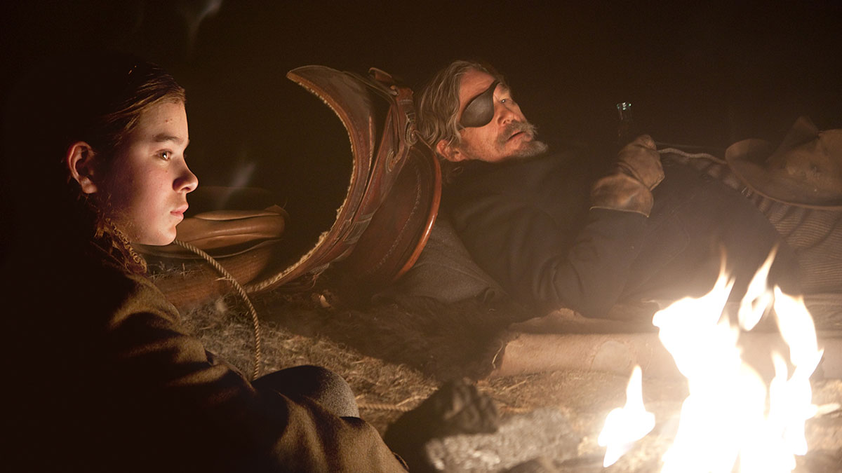 Hailee Steinfeld and Jeff Bridges in True Grit (2010)